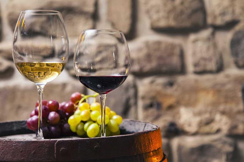 Белое против красного вина
