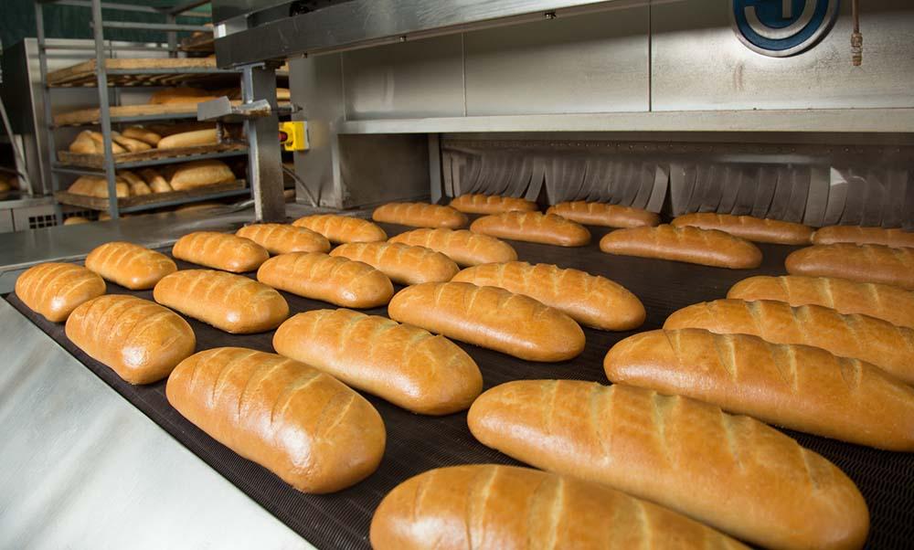 Батон на хлебзаводе