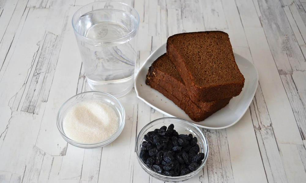 Чёрный хлеб, изюм, вода и сахар