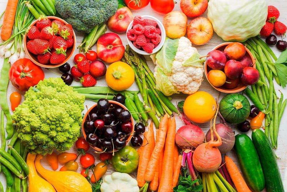 Фрукты и овощи летом