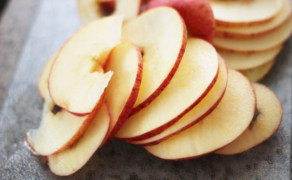 Кусочки яблок для чипсов