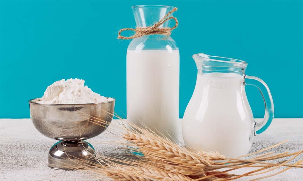 Мука и молоко для хлеба