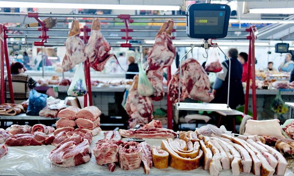 Мясо на рынке