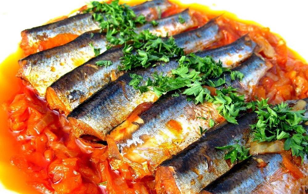 Рыбная тушёнка с овощами