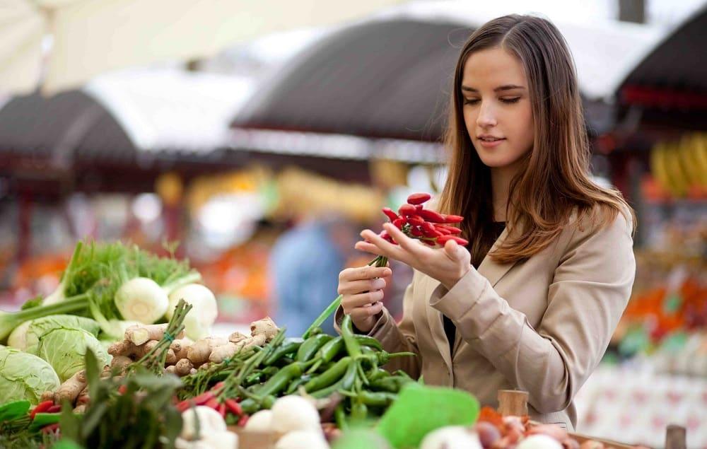 Сезонные овощи на рынке