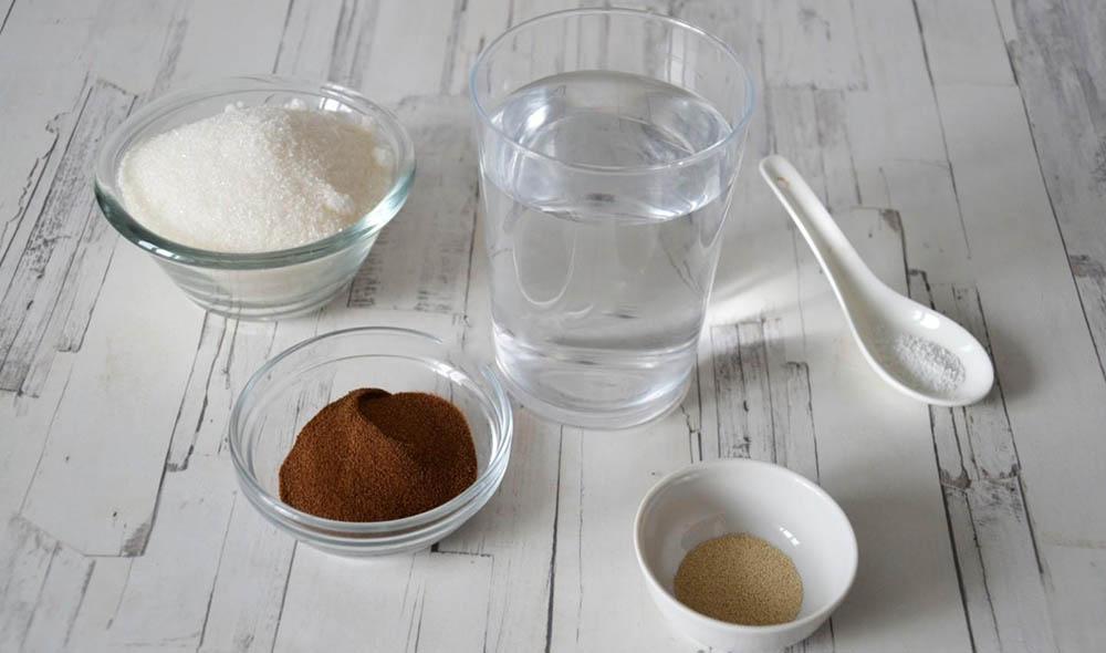 Цикорий, сахар, лимонная кислота, дрожжи и вода