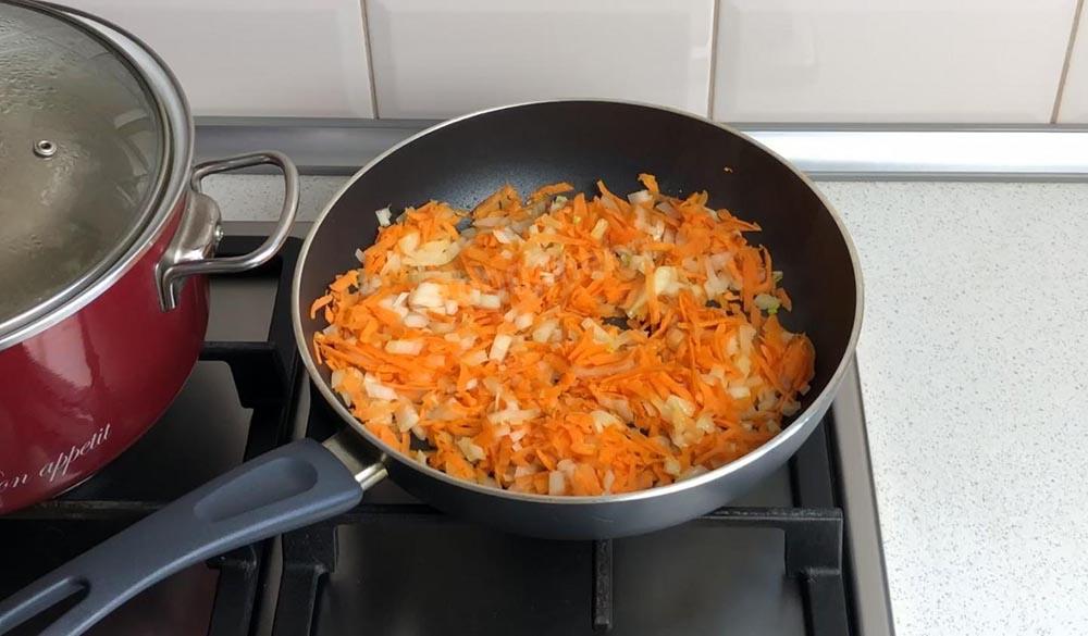 Лук с морковью для гречки