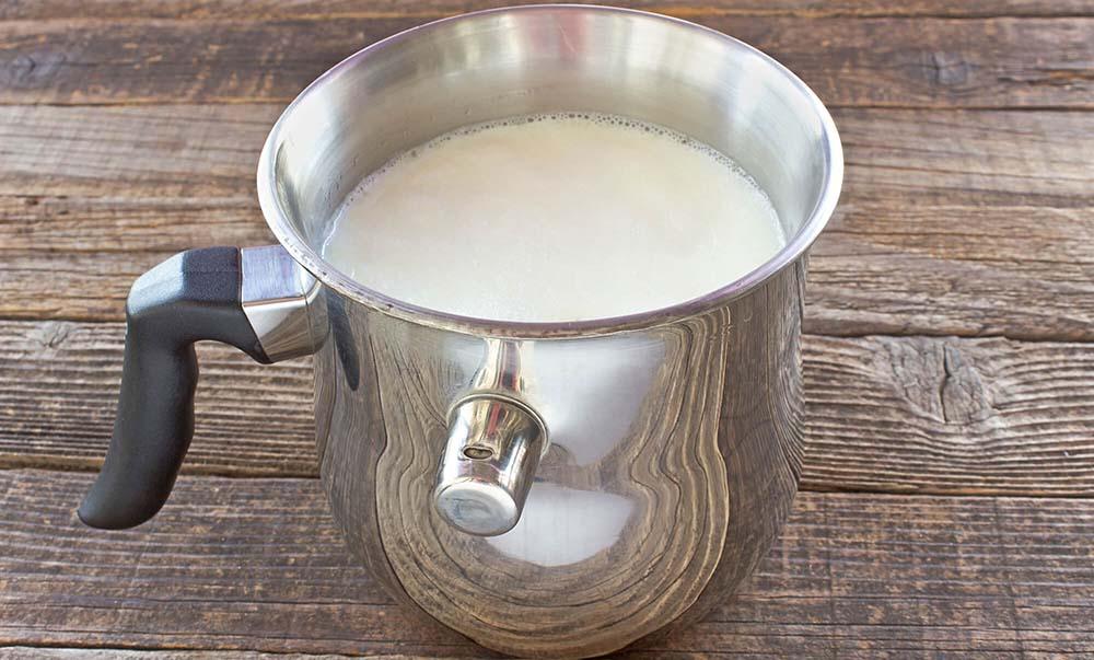 Молоко в молоковарке