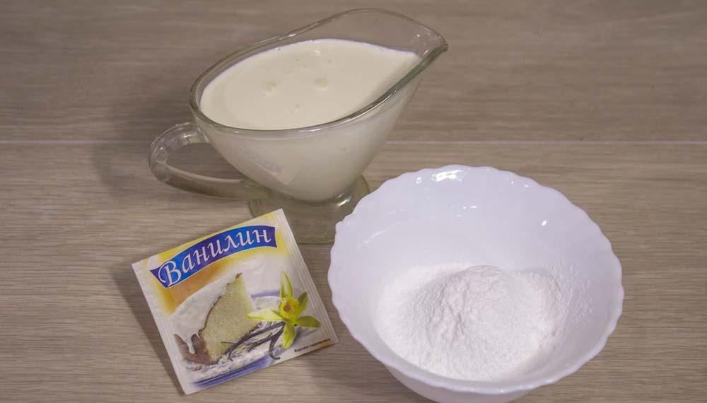 Сливки, сахар и ванилин