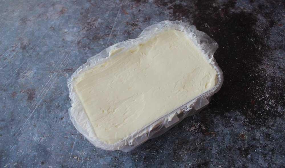 Масло в контейнере