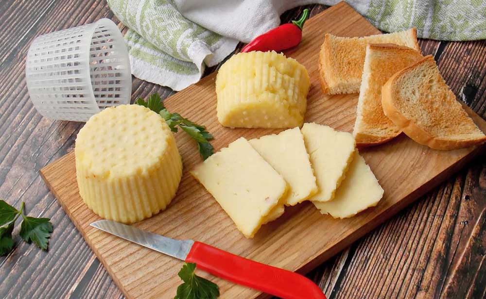 Твёрдый сыр из творога