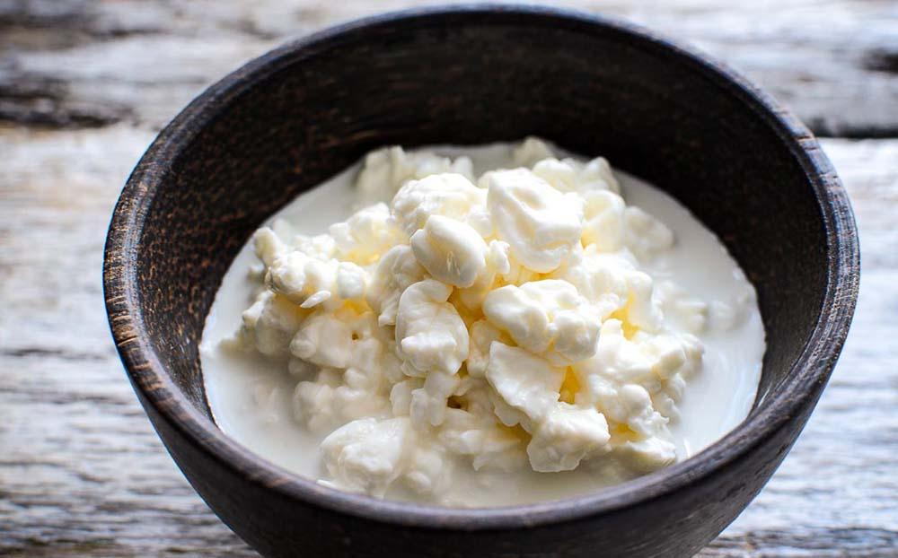 Зернистый творог из коровьего молока
